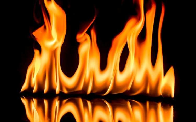birinin yanarak öldüğünü görmek