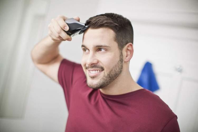 erkek saçını kesmek