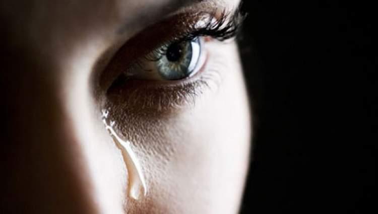 eski arkadaşının ağladığını görmek