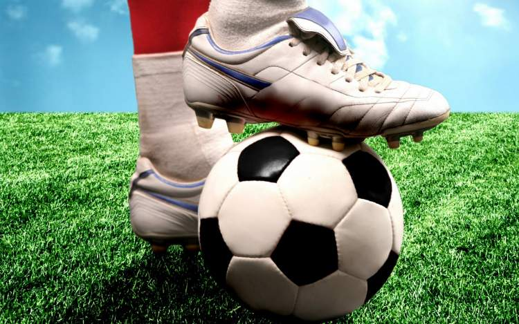 futbol oynamak gol atmak
