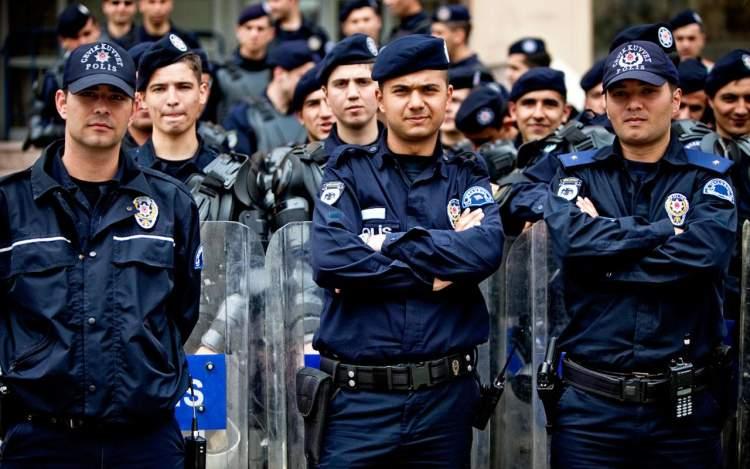 Rüyada Polis Arabası Görmek