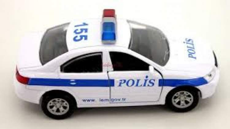 Rüyada Polis Arabasına Binmek
