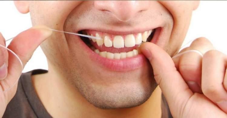 diş ipiyle diş temizlemek