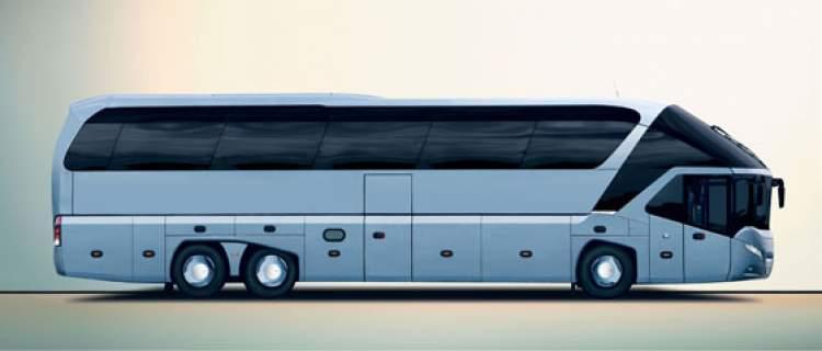 seyahat otobüsüne binmek