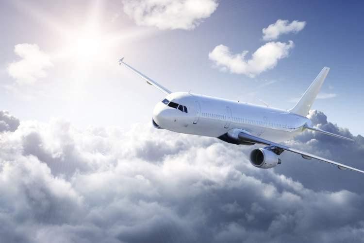uçağa binip seyahat etmek