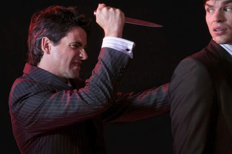 Rüyada Adam Bıçaklamak