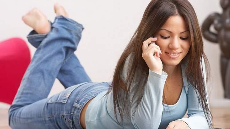 sevgiliyle telefonda konuşmak