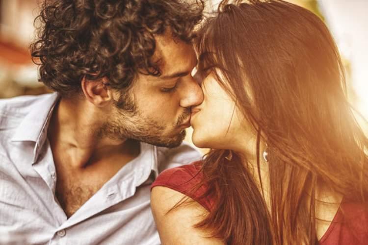 Rüyada Sevgiliyle Öpüşmek