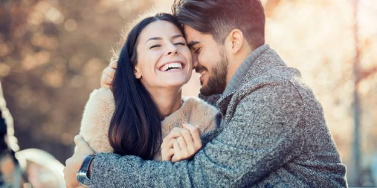 Rüyada Sevgiliyle Öpüştüğünü Görmek