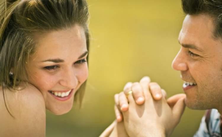 Rüyada Sevdiğin Kızla Öpüşmek