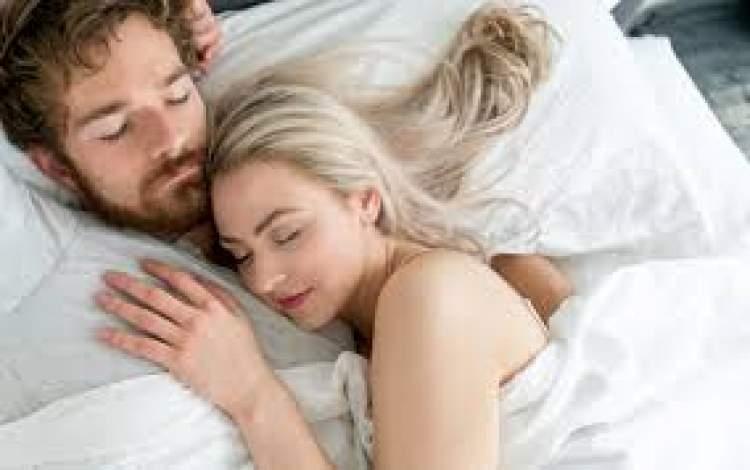 Rüyada Sevgiliyle Uyuduğunu Görmek