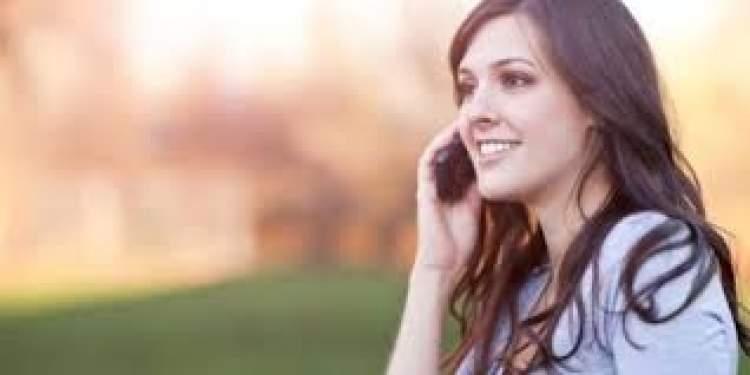 cep telefonuyla konuşmak