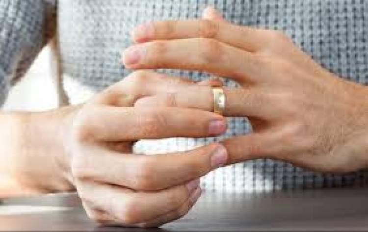 Rüyada Eşinin Boşanmak İstediğini Görmek